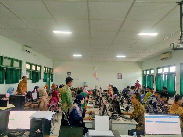 Guru MAN 2 Sleman Persiapkan Pembelajaran dengan E-Learning